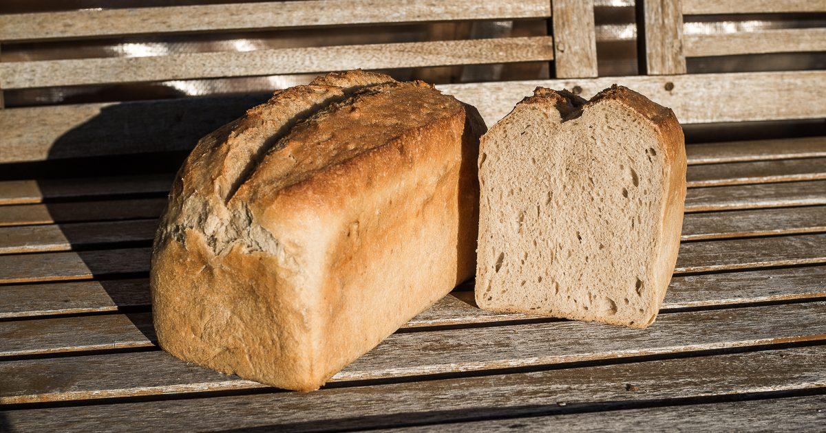 Kasten-Weizenbrot mit Sauerteig und Malz