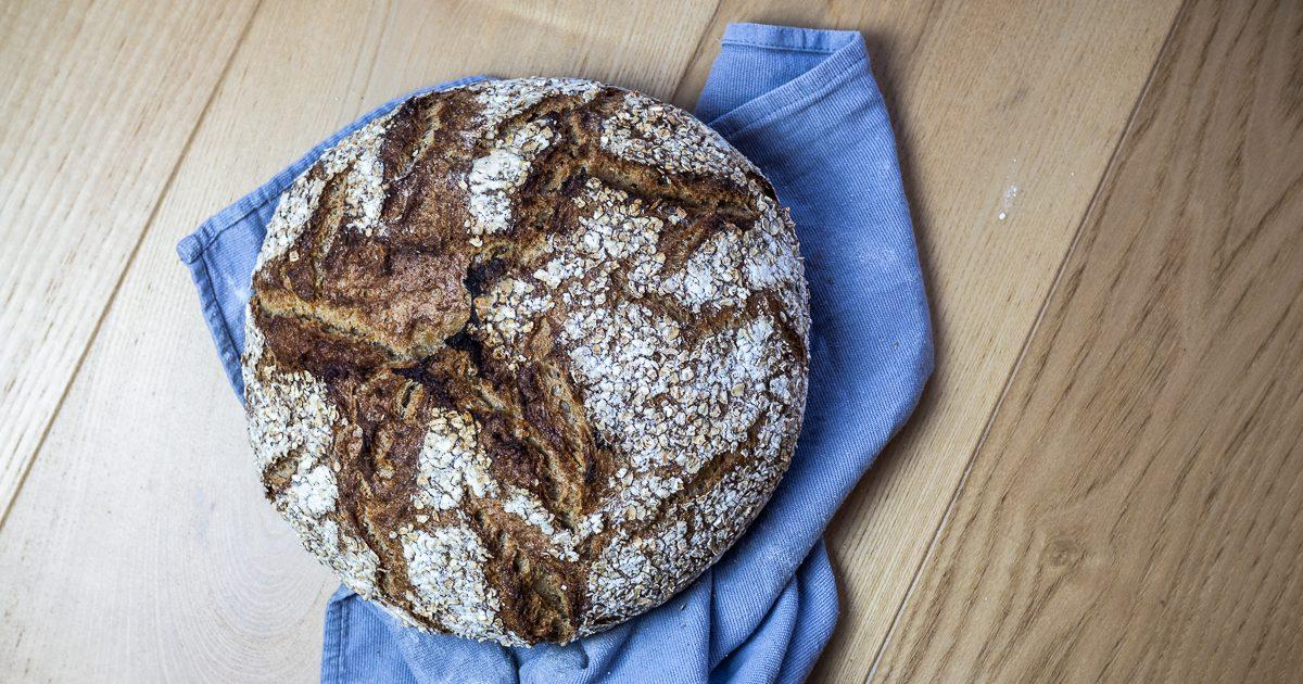 Rustikales Haferflocken-Weizen-Brot (Haferbrot)