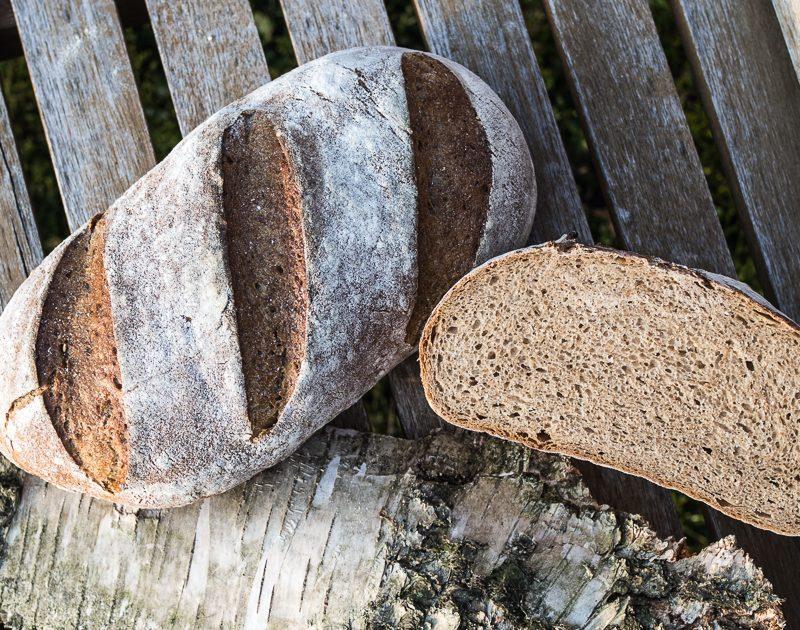 Backen OHNE Hefe: Weizenmischbrot mit Roggensauerteig